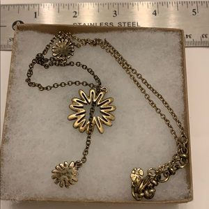 Jewelry - Gold tone lanyard necklace